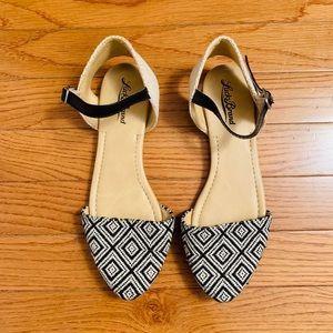 Lucky Brand Triangle Toe Strap Flats